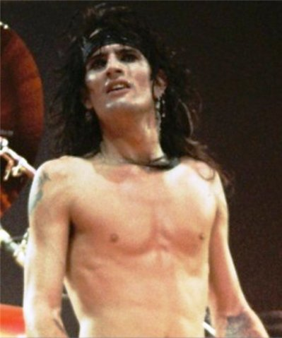 photo-Motley-Crue-Tommy-Lee-live-pics-of-tommy-lee