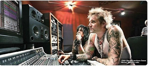 photo-Sixx-A-M-am-7-seven-Nikki-Sixx-rock-band