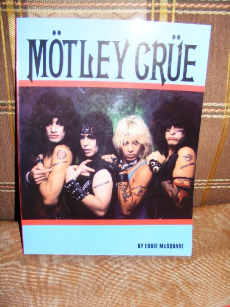 photo-futbolki-mediatori-shirts-covers-Motley-Crue-merchandise