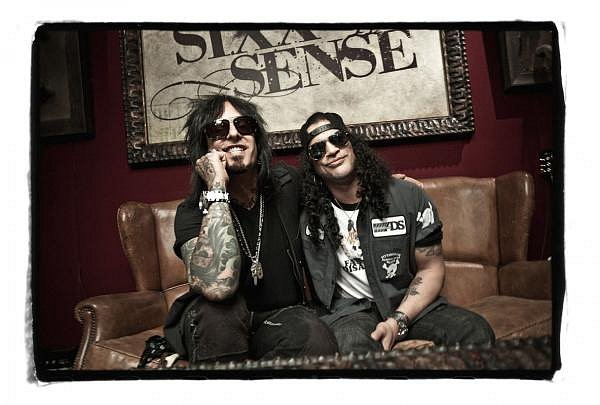 photo-Nikki-Sixx-Motley-Crue-Slash-Guns-N-Roses