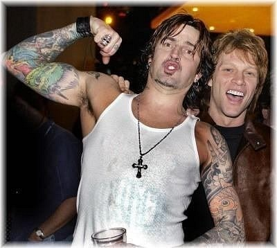 photo-Tommy-Lee-Motley-Crue-Jon-Bon-Jovi