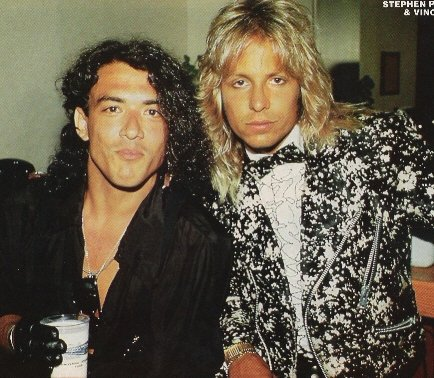 photo-Vince-Neil-and-Ratt-Stephen-Pearcy
