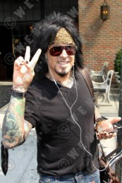 photo-Motley-Crue-Nikki-Sixx-clothing-2012