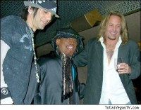 photo-Motley-Crue-Vince-Neil-tattoos-rock-vocal