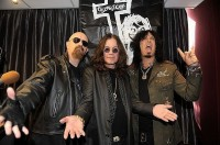 photo-Nikki-Sixx-and-Rob-Halford-Motley-Crue-Judas-Priest