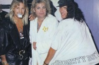 photo-Vince-Neil-vocal-Motley-Crue-band-Ozzy-Osbourne